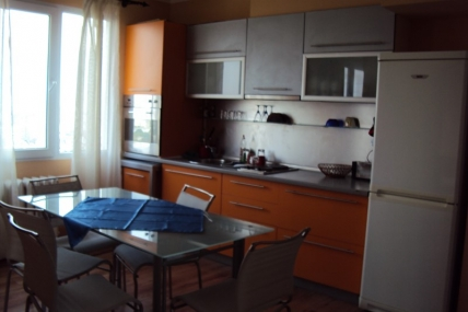кухня апартамент под наем на хотелски принцип