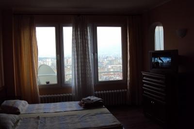 спалня изглед апартамент под наем на хотелски принцип
