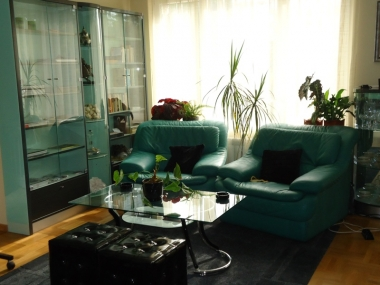 хол2 апартамент под наем на хотелски принцип